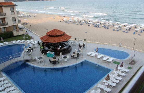 Beautiful one-bedroom apartment at the seashore in Obzor Beach Resort