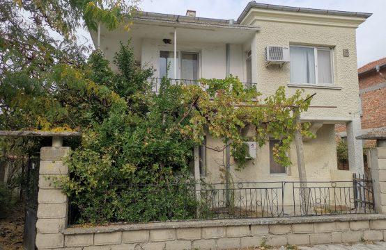 3-Zimmer Haus zum Verkauf in Ravnets, nur 20 km von Burgas